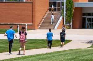 Students walking into the Liberal Arts building on the Belleville campus.