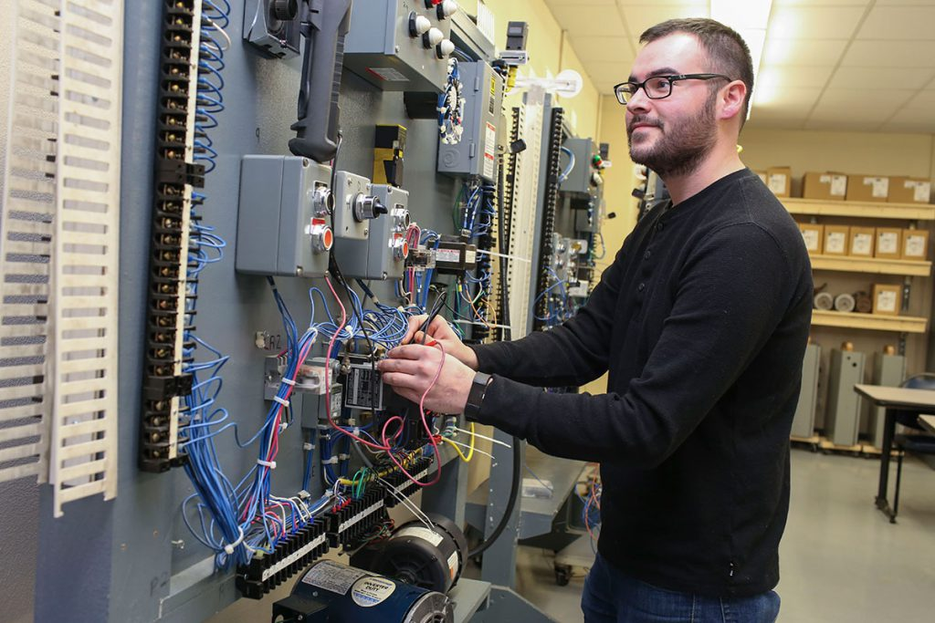 Industrial Electricity - Technical Education
