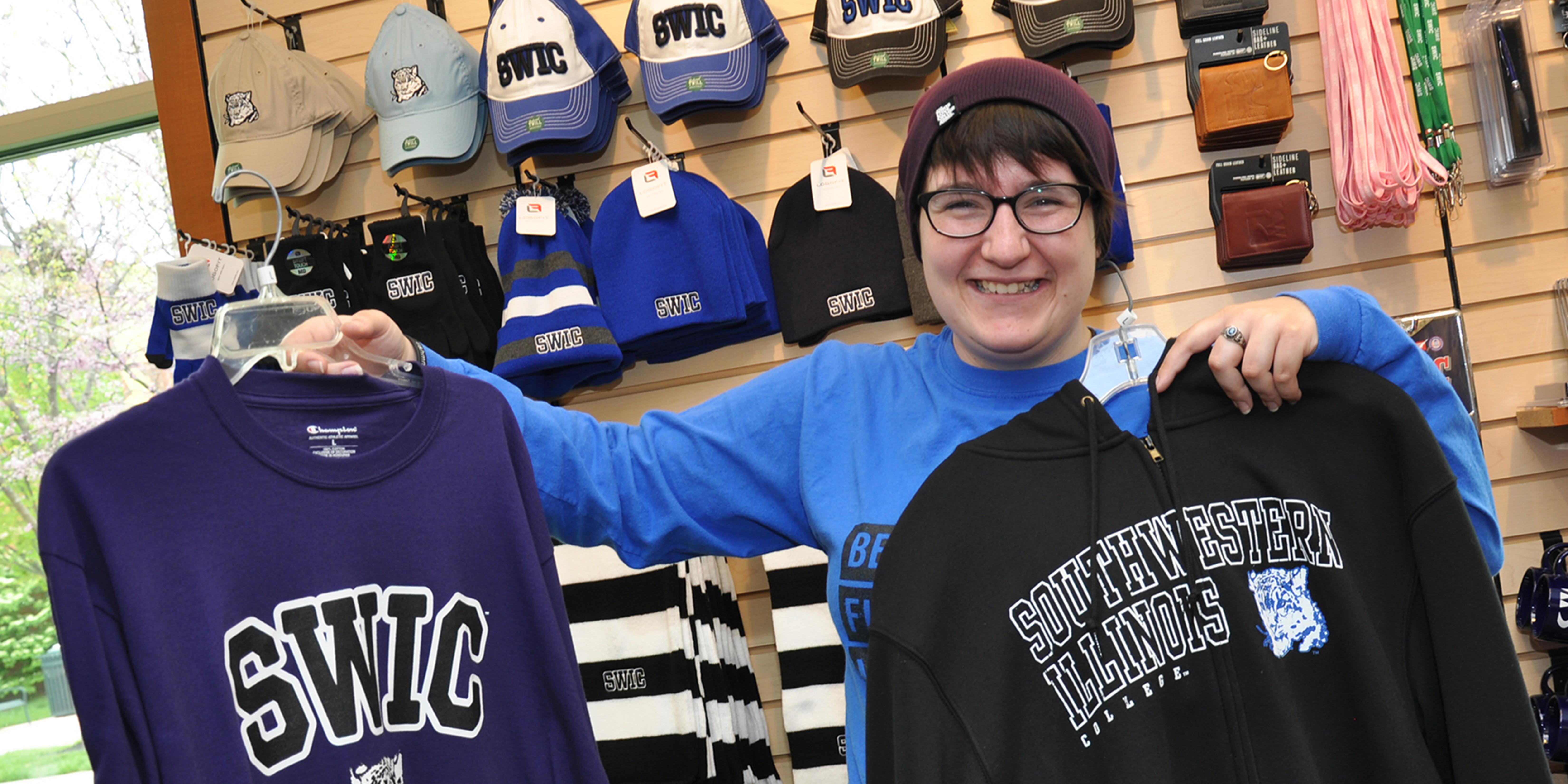 SWIC student at Main Campus bookstore